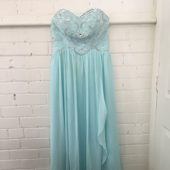Dresses & Skirts - Bridesmaid / Prom Dress